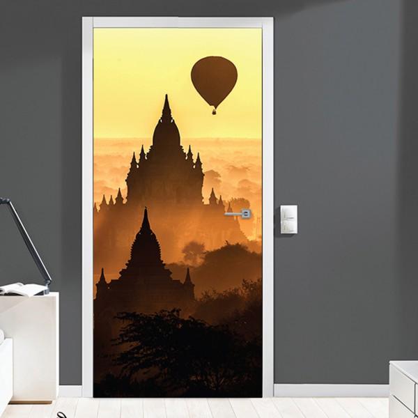 Nalepka za vrata Skrivnostni polet (90x200 cm)